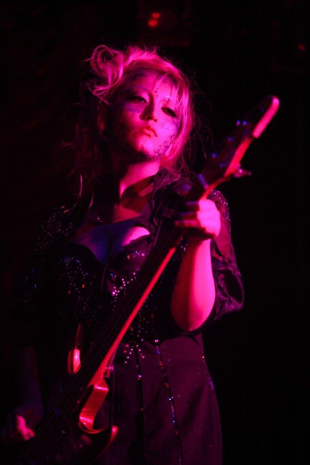 女王蜂 (バンド)の画像 p1_24